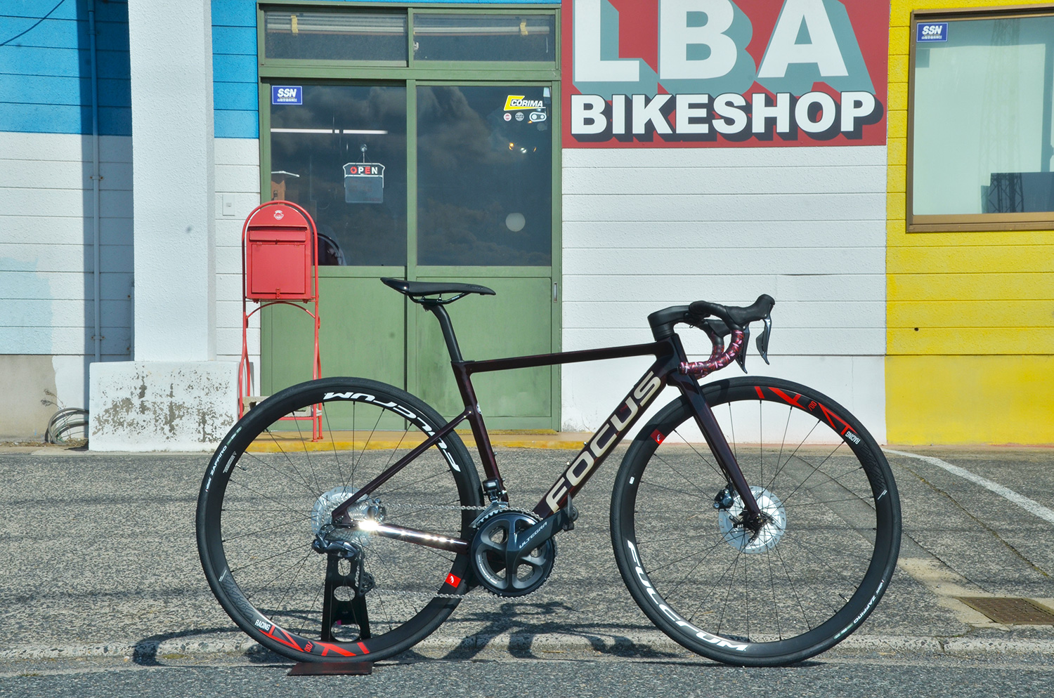 FOCUS BIKES/IZALCO MAX DISC9 TINTED RED